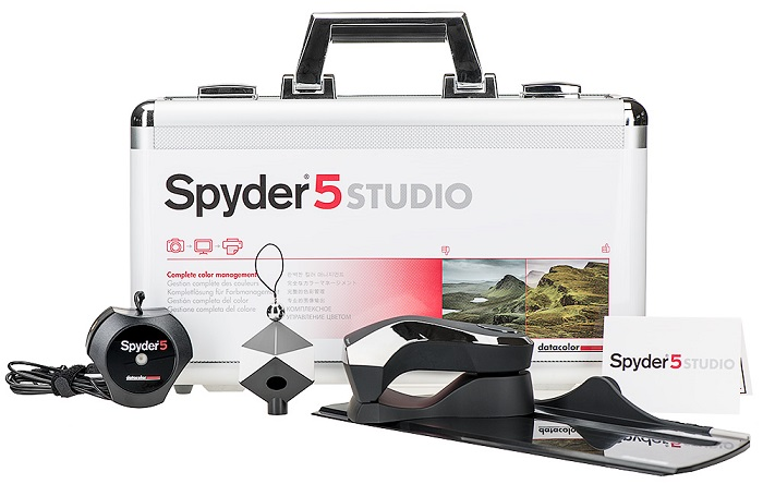 Spyder5Studio packaging with-tools