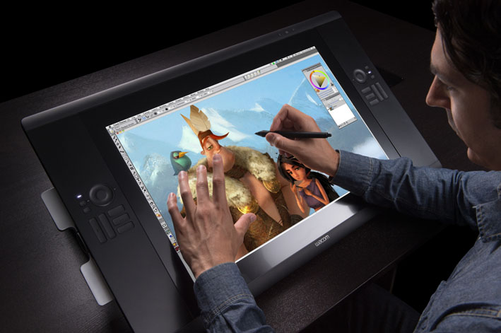 Cintiq 24HD touch-In use v1
